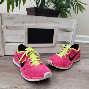 Nike Flyknit One Womens Sneakers Athletic Running